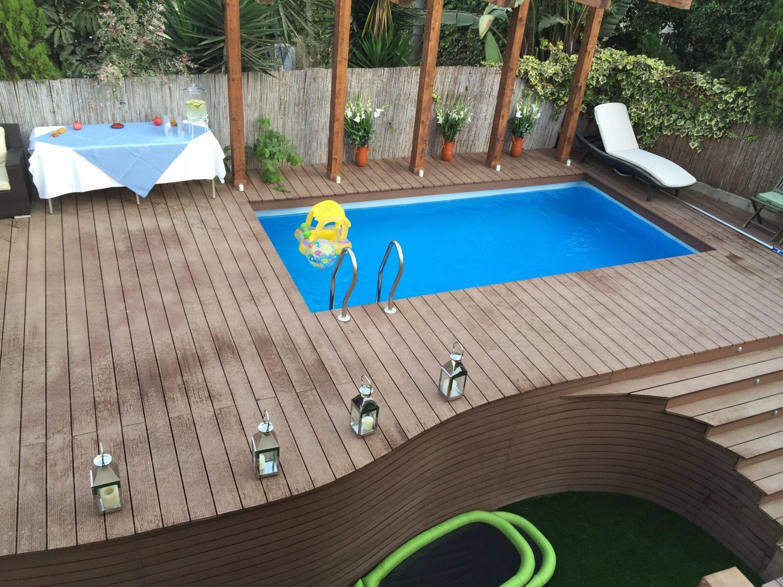 חיפוי דק סינטטי לבריכה מעוצבת קשתות בחיפה